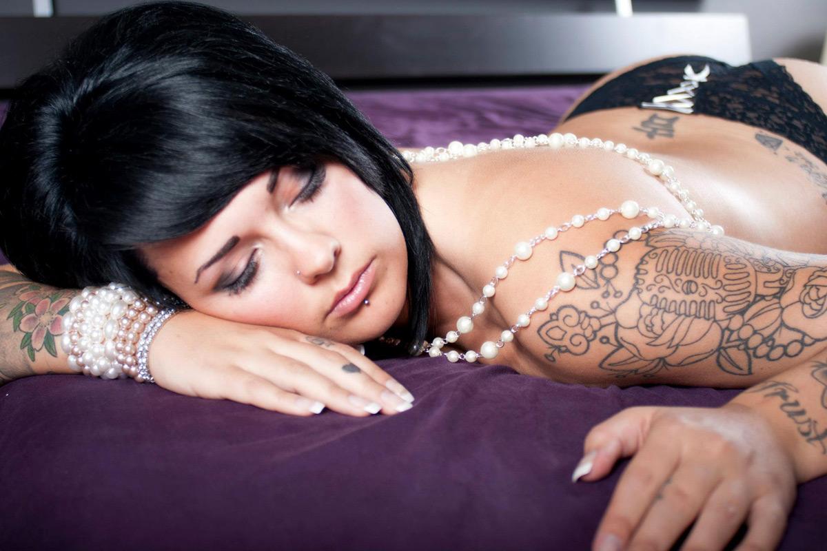boudoir-pearlsandlace-03